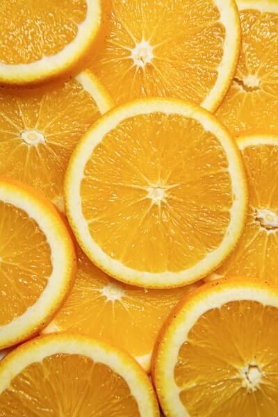 オレンジやグレープフルーツの外皮は使わない